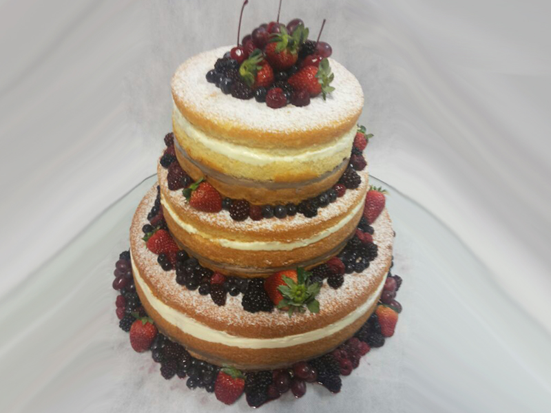 Naked Cake 3 andares sem calda de chocolate 1