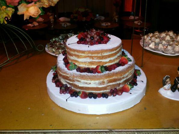 Naked Cake 3 andares sem calda de chocolate
